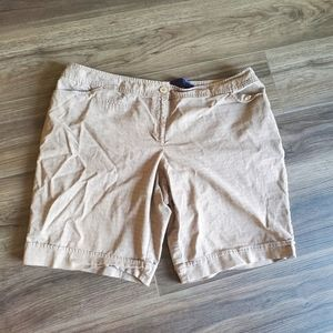 Light plaid Beige shorts